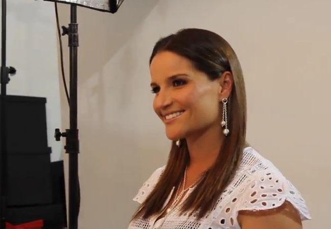 Luciana de la Fuente en sesión fotográfica para Kamari