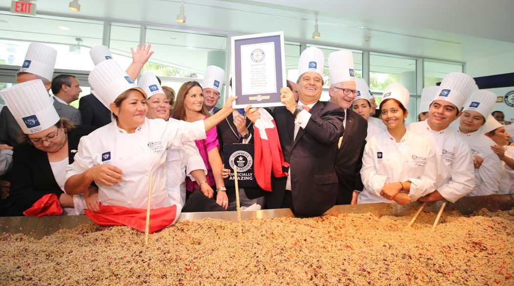 USIL logró récord Guinness con la ensalada de quinua más grande del mundo