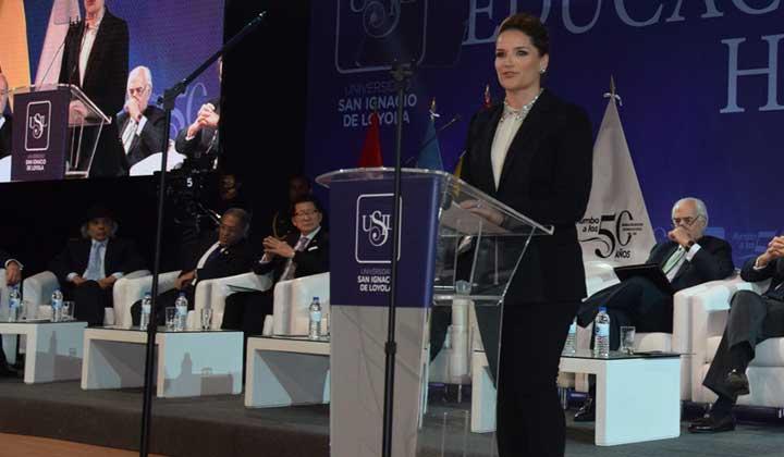 """Luciana de la Fuente: """"Una buena salud y una educación de calidad son las bases del desarrollo nacional"""""""