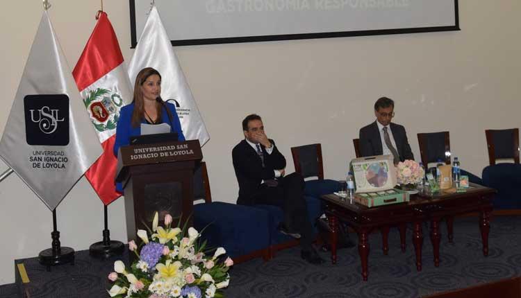 Luciana de la Fuente inauguró simposio de nutrición en la USIL